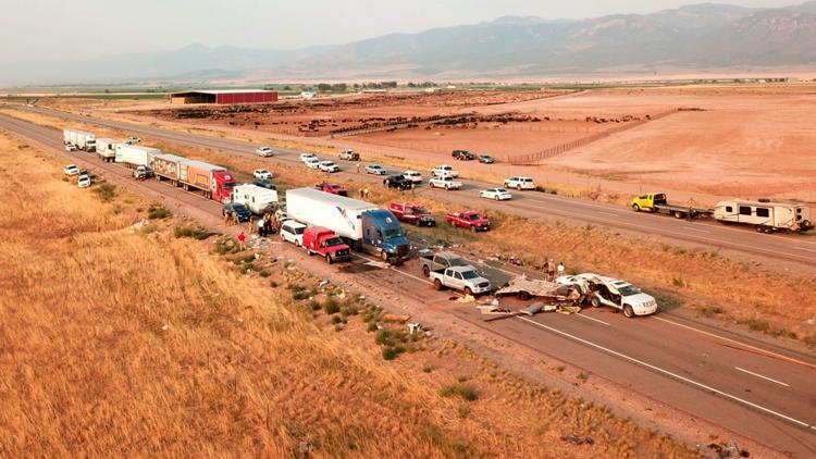 At least 7 killed in 20-car pileup in Utah during sandstorm