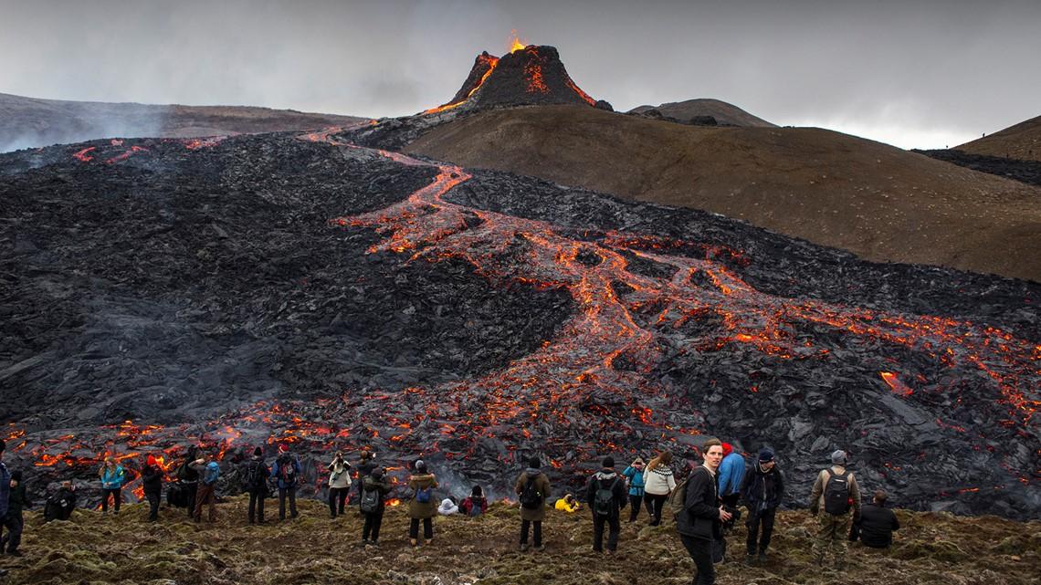 Iceland's erupting volcano becomes tourist hotspot