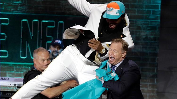 Clemson defensive tackle Christian Wilkins NFL draft jumping AP