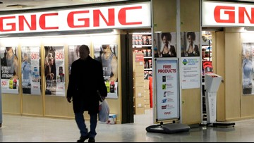 GNC plans to close up to 900 locations