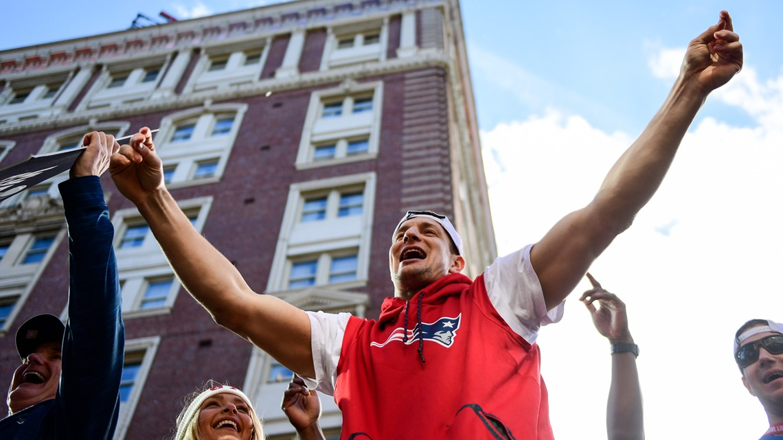 Gronk gets bonked by beer can during Super Bowl parade