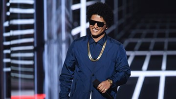 Bruno Mars to provide Thanksgiving meals for 24,000 Hawaii residents