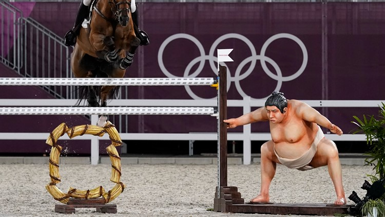 Sumo wrestler statue removed from equestrian course for team event