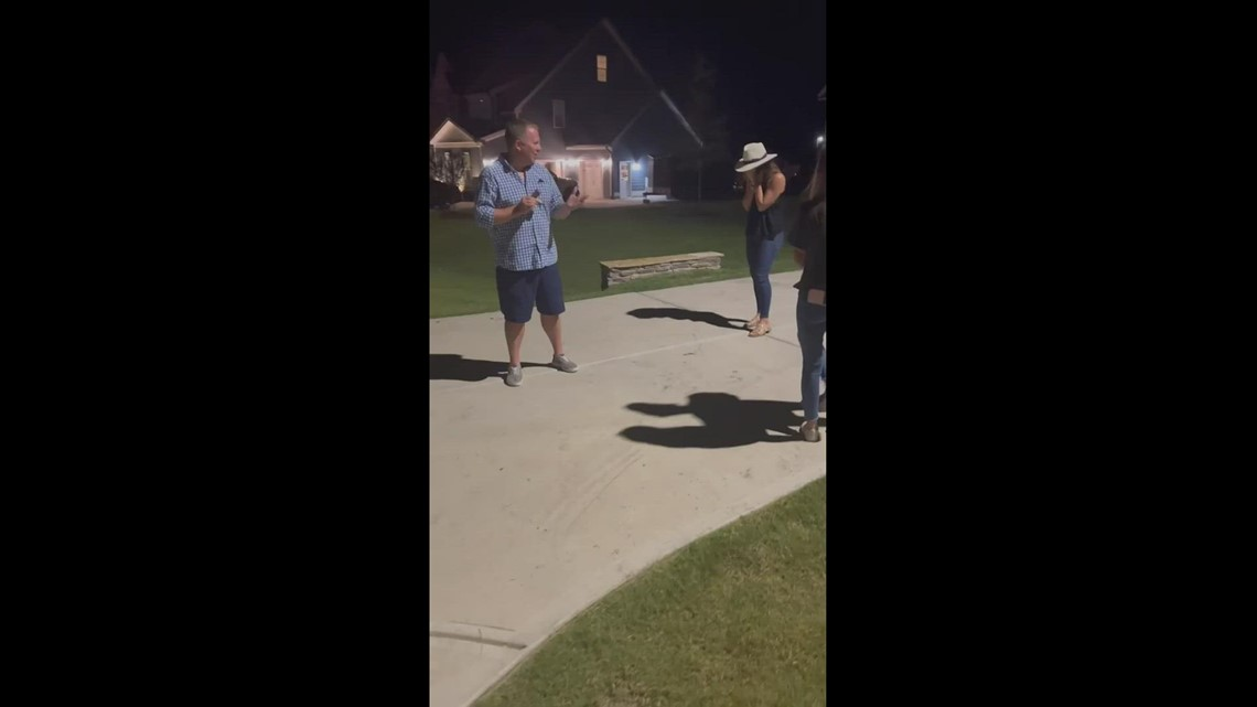 Boyfriend proposes after house fire