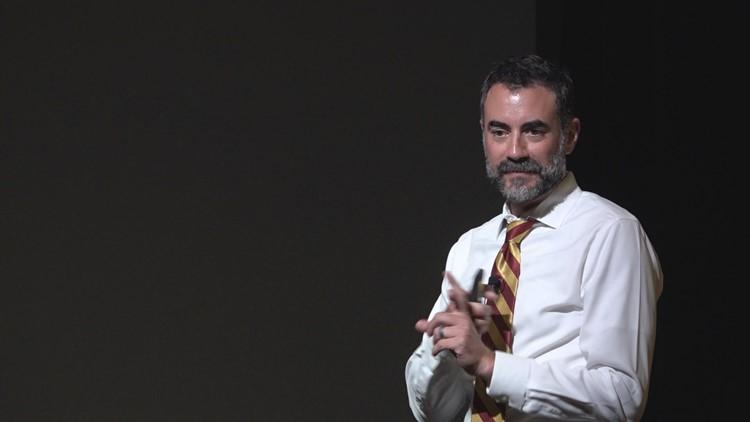 Dr. Aaron Krasnow speaks to parents in Phoenix