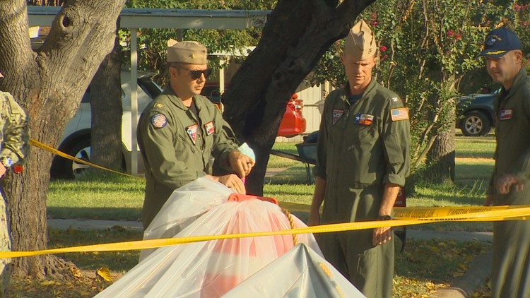 'It could have been a lot worse': 2 hurt after Navy training jet crashes in Texas neighborhood
