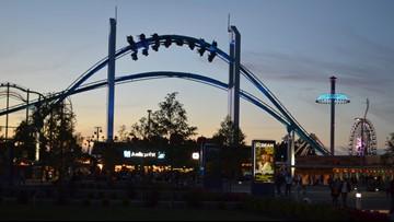 Video shows Cedar Point's GateKeeper roller coaster getting stuck mid-ride