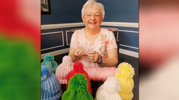 Meet the 87-year-old woman who spends her day knitting hats for newborn babies in Virginia