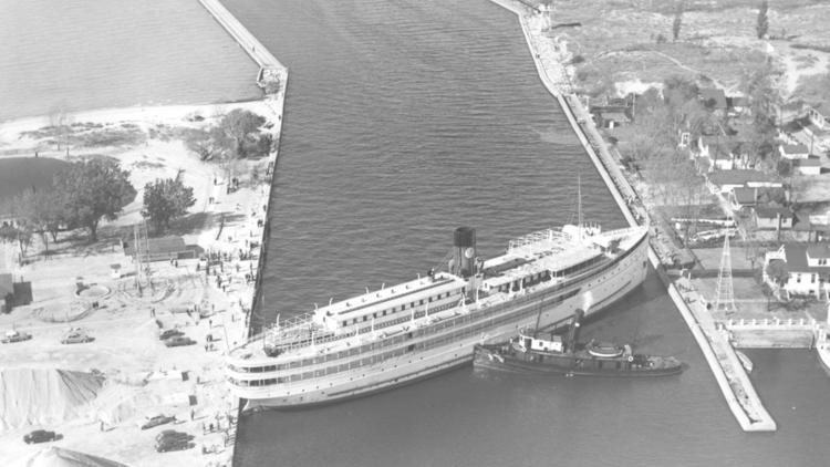 STUCK SIDEWAYS: 1952 incident involving Michigan steamship mirrors Suez Canal jam