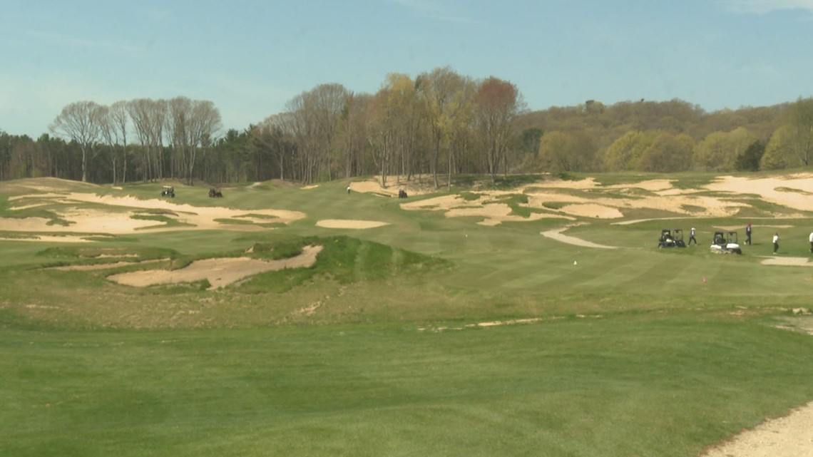 American Dunes Golf Club celebrates its opening day