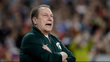 'It's a boy!' Tom Izzo helps with couple's gender reveal