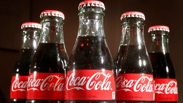 Time Warp: FDR's first radio address and Coca Cola goes bottled