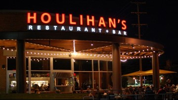 Houlihan's in Grand Rapids is closed