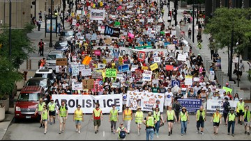 Thousands protest Trump immigration policies in Chicago
