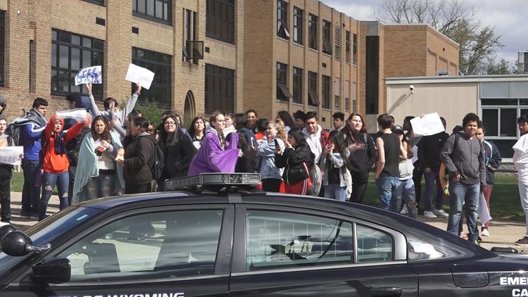 Godfrey-Lee students protest over mascot name change
