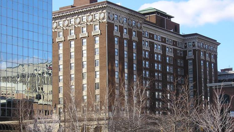 Amway To Lay Off Over 500 Hotel Employees In Grand Rapids July 31 Wzzm13 Com