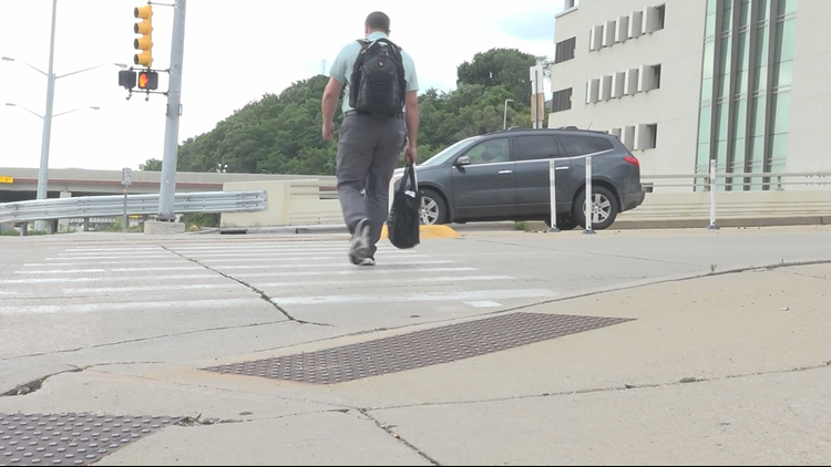 Grand Rapids project aims to make downtown sidewalks safer for pedestrians