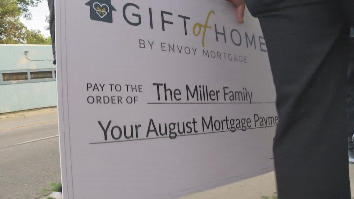 Envoy Mortgage makes surprise stop at Muskegon woman's home