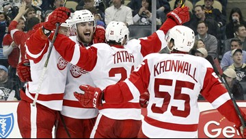 Red Wings defenseman Niklas Kronwall announces retirement