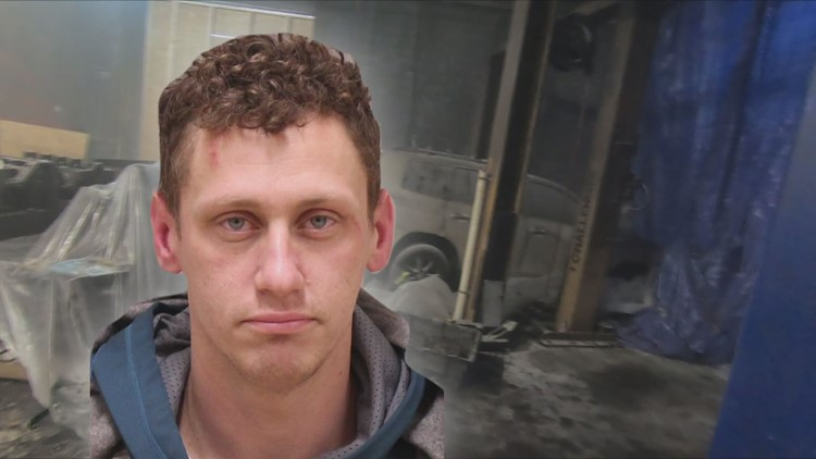 Man accused of torching Wyoming auto business now faces federal charges