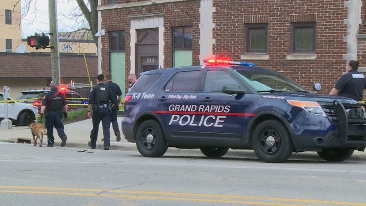 Man shot and killed in Grand Rapids, suspect at large