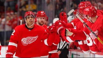 NHL-worst Red Wings beat league-best Bruins 3-1 for 2nd time