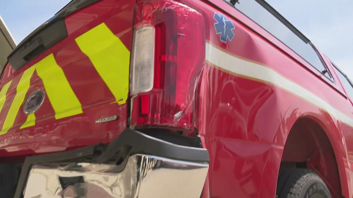 Police ask drivers to watch out for emergency vehicles after 3 were hit
