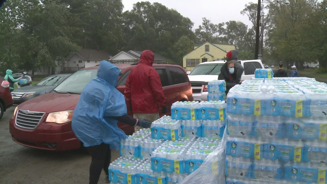 13 ON YOUR SIDE partners with Grand Rapids NPHC to bring 'water relief' to Benton Harbor