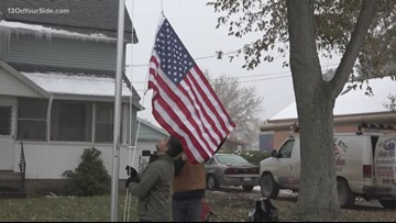 Marine who walked around Lake Michigan given free flagpole