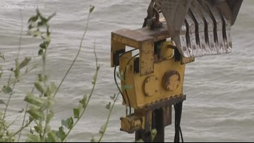 Neighbors work together to keep Lake Michigan away from their homes