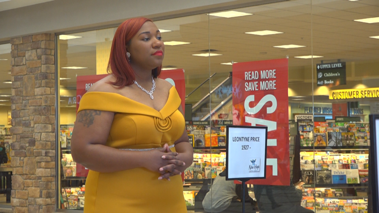 Live museum at Woodland Mall showcases influential African Americans