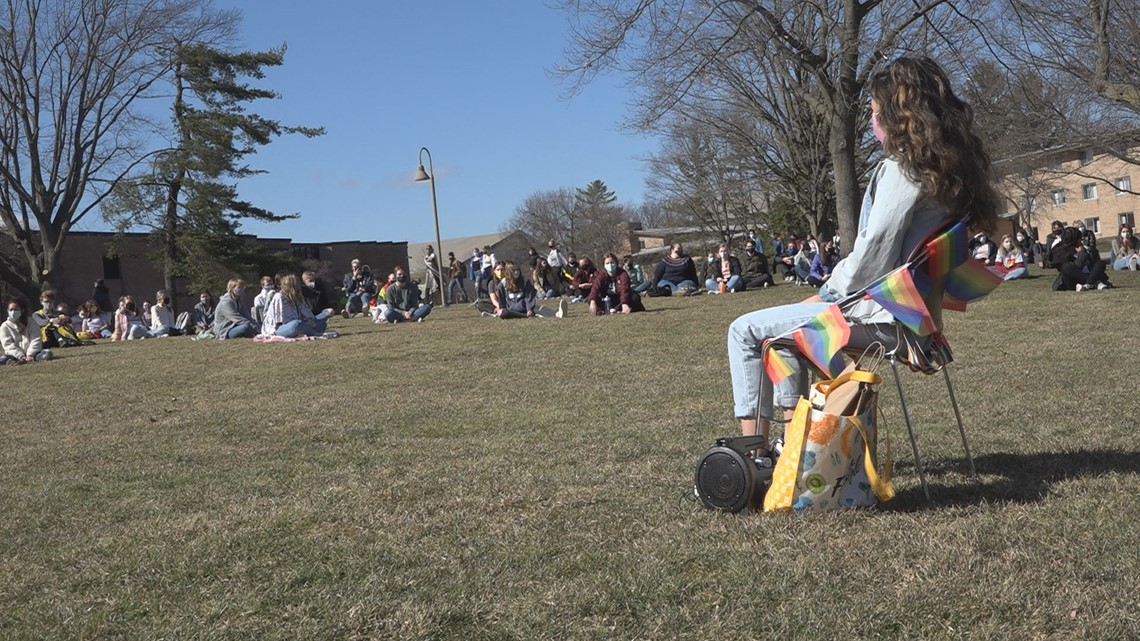www.wzzm13.com: Anti-LGBTQ sign at Calvin University sparks students speaking out, silent sit-in protest