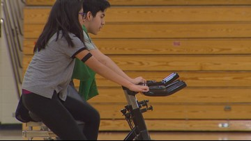 West Ottawa middle schoolers use heart sensor technology to track fitness
