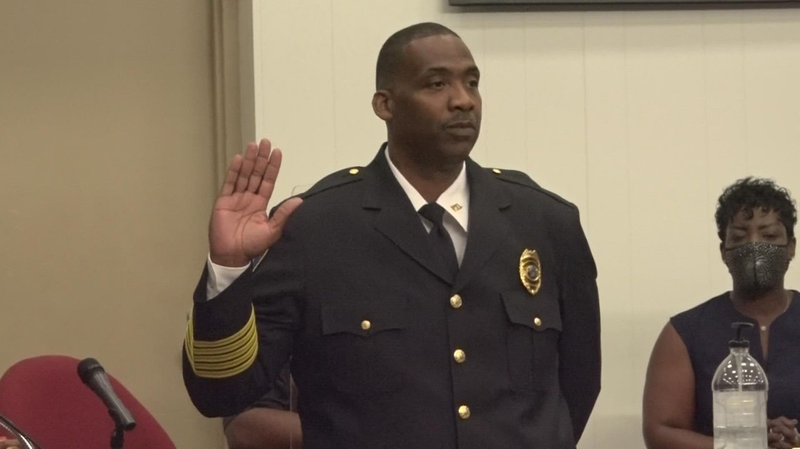 Muskegon Heights new police chief sworn in
