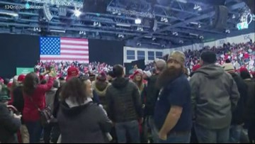 Crowds and protestors waiting for Trump rally in Battle Creek