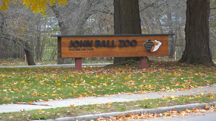 John Ball Zoo expects to lose $1M each month it's closed due to COVID-19