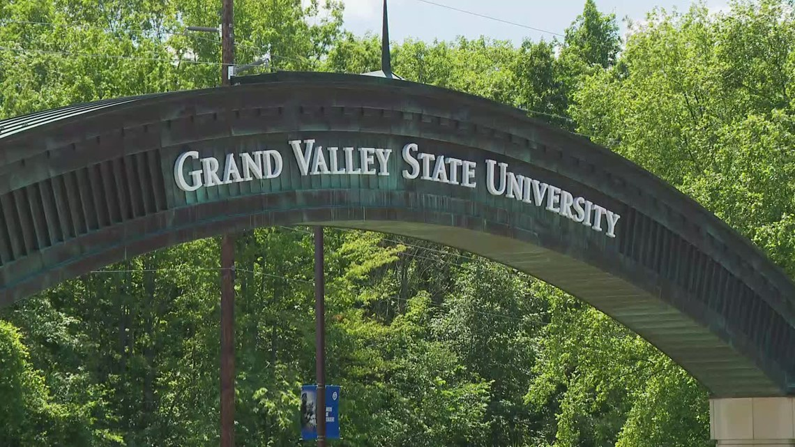 GVSU offering students a chance to win $100 for being vaccinated