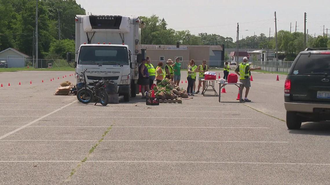 Muskegon holds food distribution event