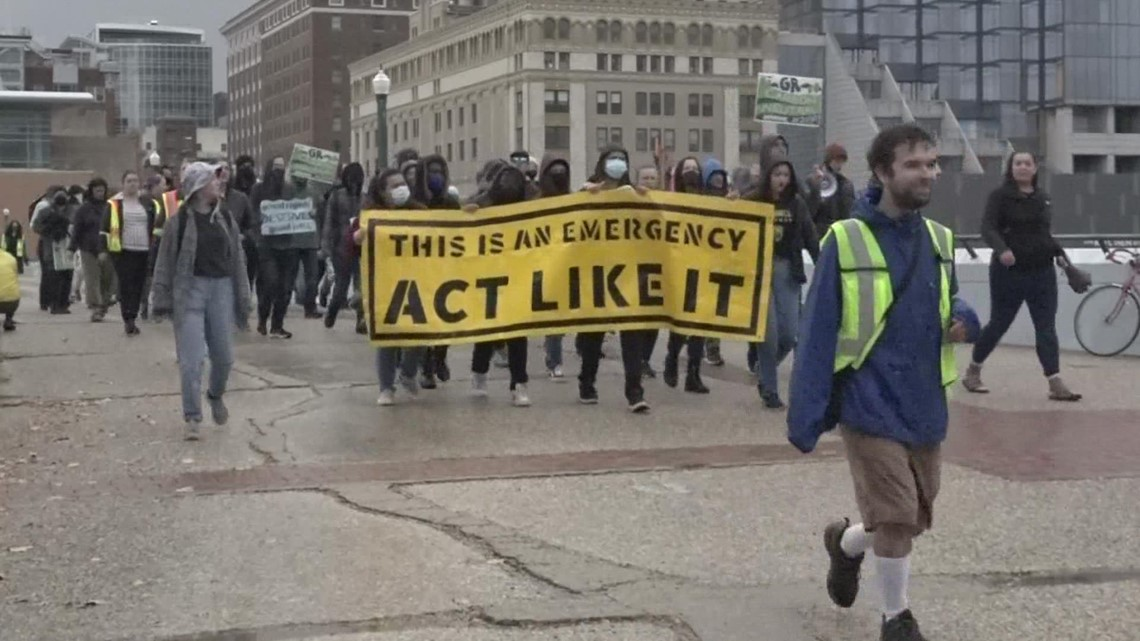 Grand Rapids Climate Coalition holds march urging for carbon neutrality