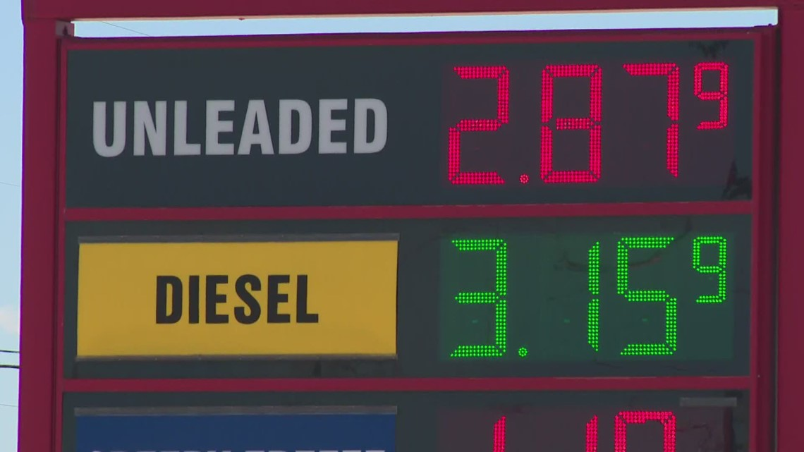 Gas prices hit $3 per gallon average, first time since 2014