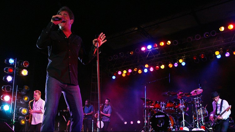 Huey Lewis and the News cancel shows citing singer's hearing loss