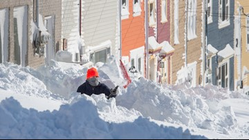 Canadian military mobilized to help Newfoundland dig out