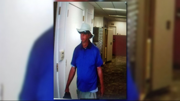 Man robs Plainwell PNC Bank claiming to have a bomb | wzzm13 com