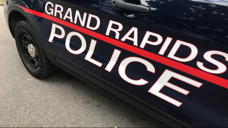 Man shot while walking downtown Grand Rapids, GRPD investigating