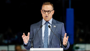 Ex-Red Wings great Steve Yzerman to step aside in Tampa Bay