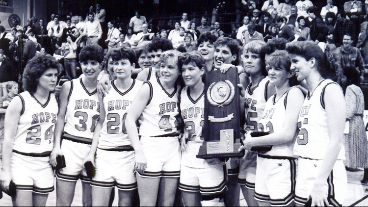 Hope women win the 1990 Division III national championship