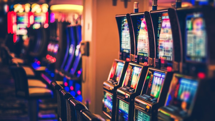 Detroit casinos report more than $1.4 billion in revenue