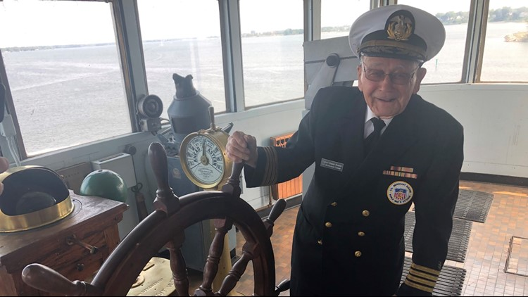 Milwaukee Clipper's last captain regales 'sea tales', went from dishwasher to skipper