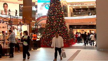 VERIFY: Could a poor holiday season cause some major retailers to close?