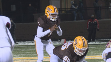 Zeeland East cruises into state semifinals